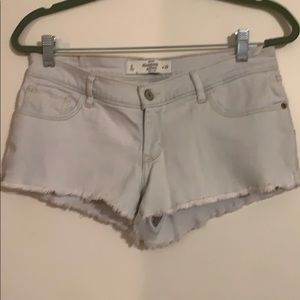 Abercrombie hemmed cut off shorts